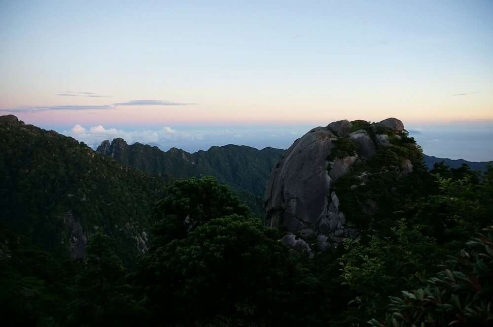 宮之浦岳から見える景色
