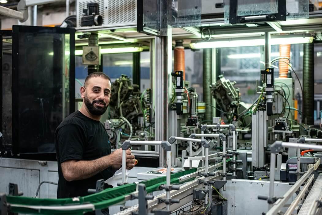 工場でバイト